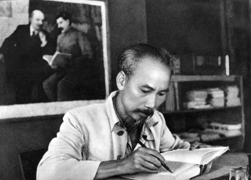 ho chi minh revolutionary youth leader essay Among the present generation of communist leaders, so decimated by the stalinist purge, ho chi minh is one of the rare survivors of the leninist international which he joined as an ardent nationalistic revolutionary.