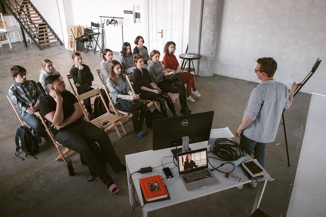 Как происходит открытие лофт студии у фотографов клубе